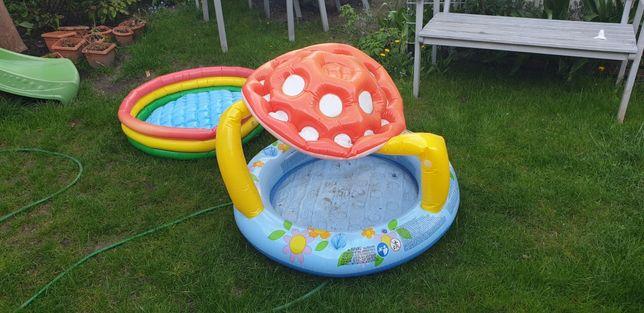 Dwa baseny dla dzieci