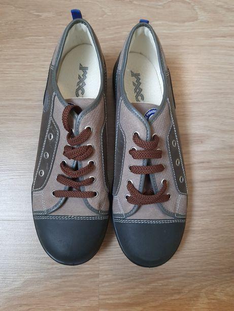 Кросівки, кросовки,кеди,спортивне взуття, шкіра