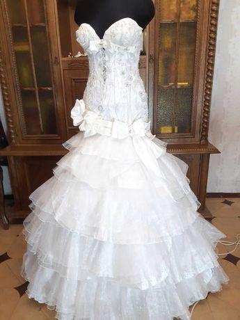Свадебное платье 44 р.