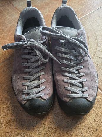 Sapatilhas marca Scarpa 38