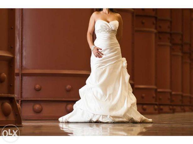 Vestido de noiva e mantilha
