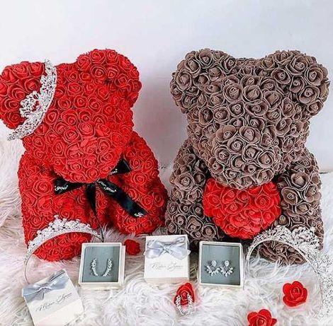 Мишка из 3D роз 25 см с сердечком в подарочной коробке