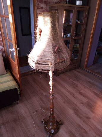 Lampa stojąca z drewna czasy PRL