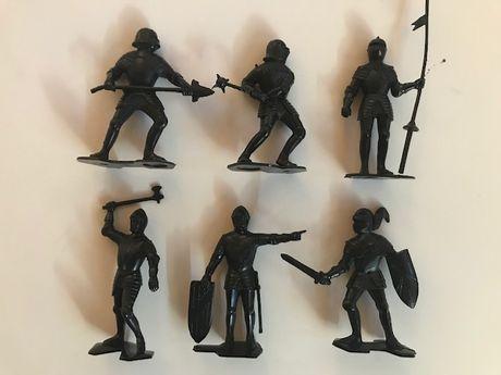 Bonecos PVC - Cavaleiros