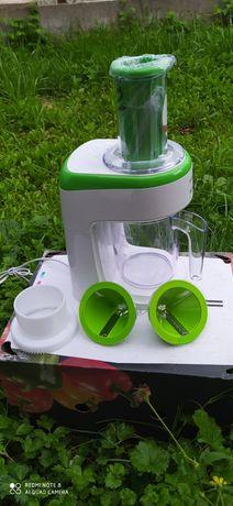 Електрична овоче і фрукторізка.
