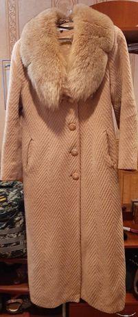 Женское пальто беж