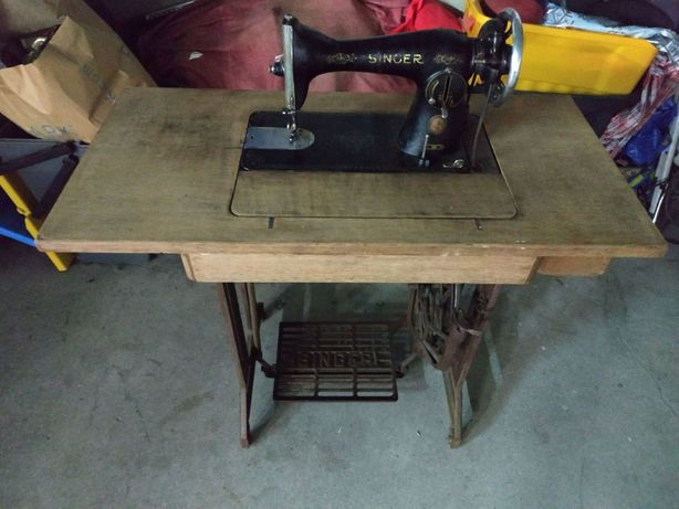 Máquina de costura antiga vintage Singer