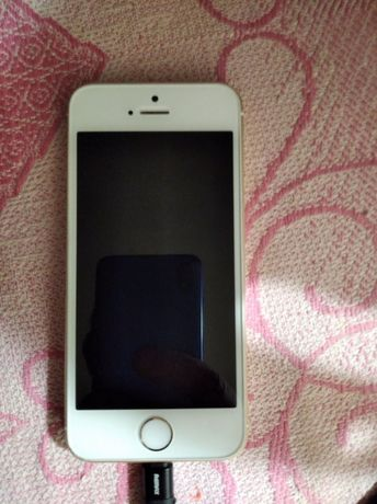 Продам iPhone SE 64 gb neverlock