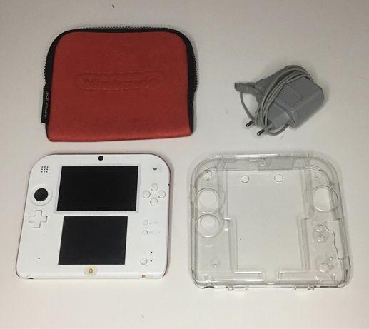 Nintendo 2DS Branca/Vermelha + Bolsa + Capa