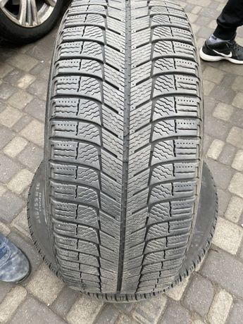 Резина зимняя шины пара Michelin R16 215/55 КАК НОВЫЕ
