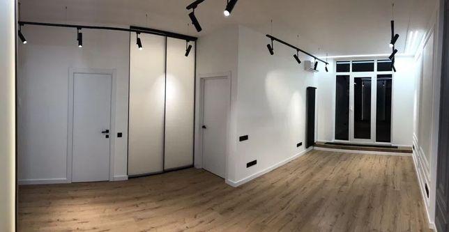 БЦ Кадор, авторский офис 50 м2, с террасой, Жилянская 68