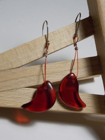 Delikatne kolczyki hippie czerwone szkiełko, drucik i srebro 925