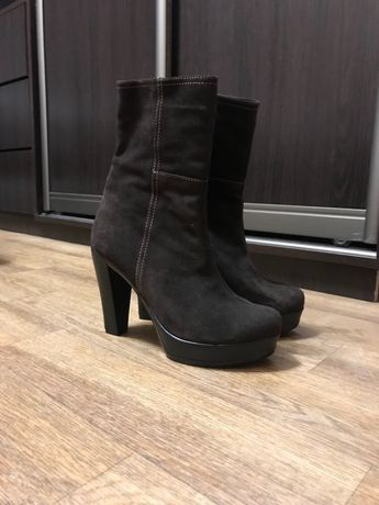 продам ботинки 40 размер