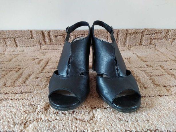 Czarne skórzane buty Lasocki