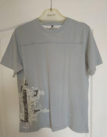 Koszulki z krótkim rękawem.