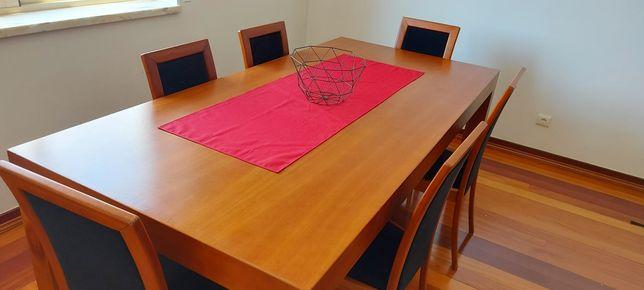 Grande Mesa + Cadeiras Cerejeira Maciça