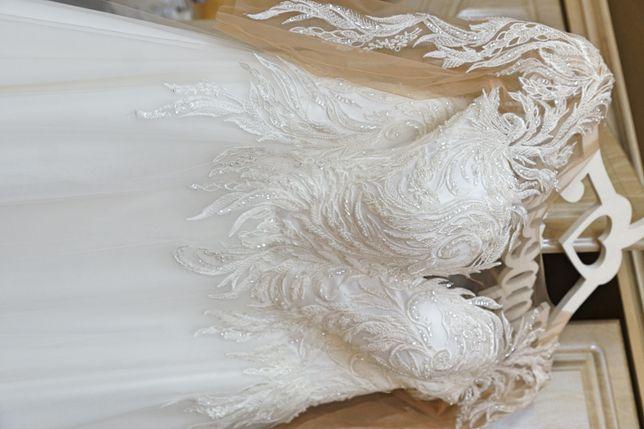 Весілна сукня у хорошому стані
