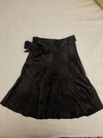 Атласная юбка с вышивкой, р.34-36