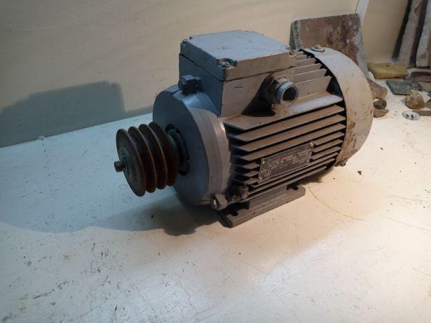 Продам новые асинхронные двигатели