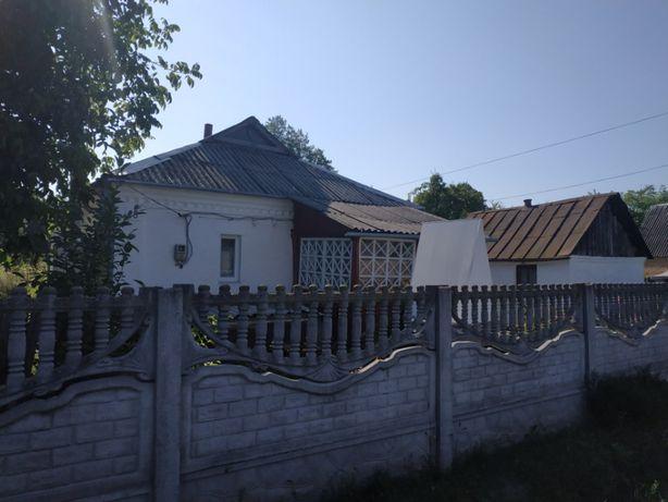 Дом в г. Тараща срочно 52 м2 16 соток возле леса 15-20 мин. от центра