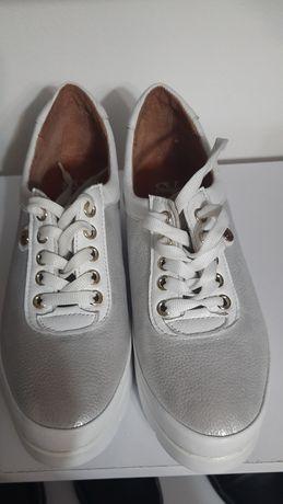 Кроссовки,кеды кожаные белые