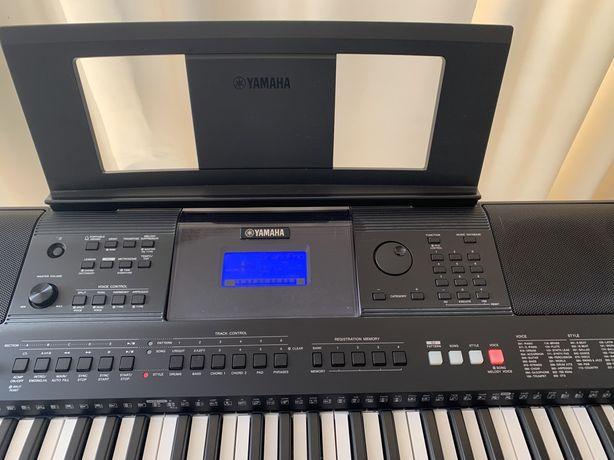 Синтезатор Yamaha E453 пианино