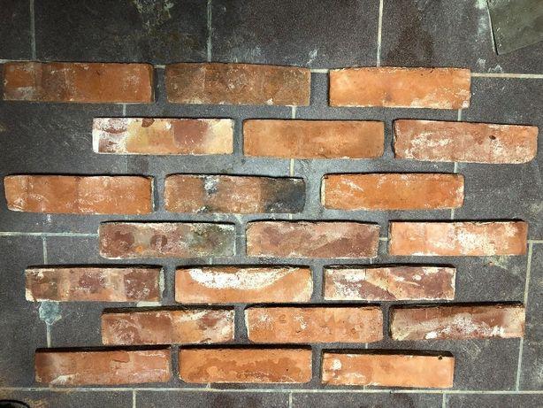 Płytki z cegły, ciętą cegła, ceglana płytka, stara cegła