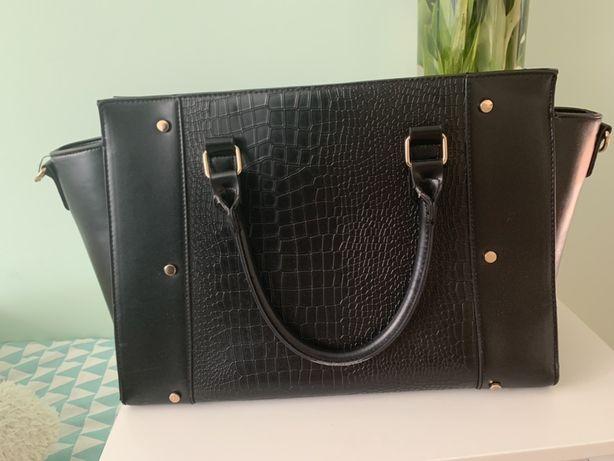 Czarna torebka duża A4