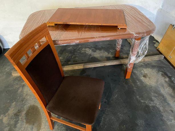Stół z kompletem 4 krzeseł