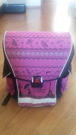 Школьный ранец,рюкзак каркасного типа