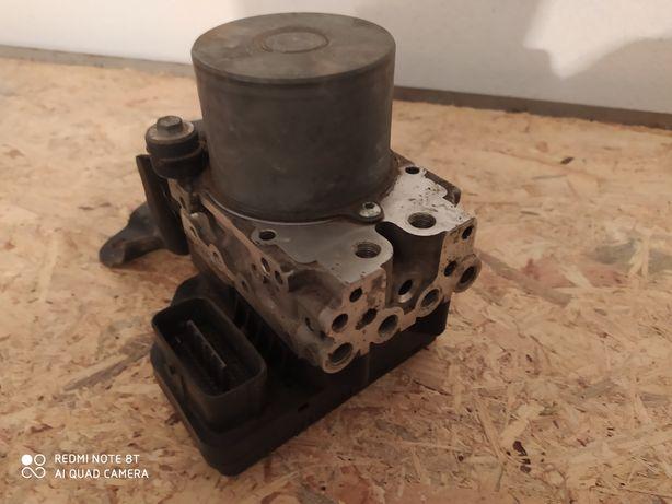Pompa ABS Toyota RAV4 D4D 06-12