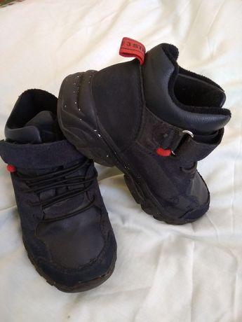 Ботинки/кроссовки весенние на флисе