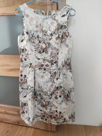 Kwiatowa sukienka Mohito 36