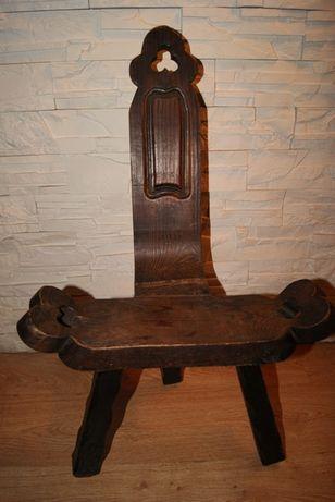 Krzesło rzeźbione retro