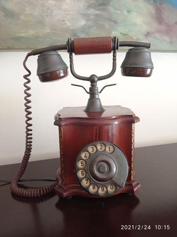 Telefone antigo Madeira