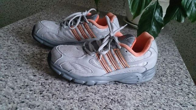 Кроссовки Adidas Walking оригинал р.-р. 38,5-39