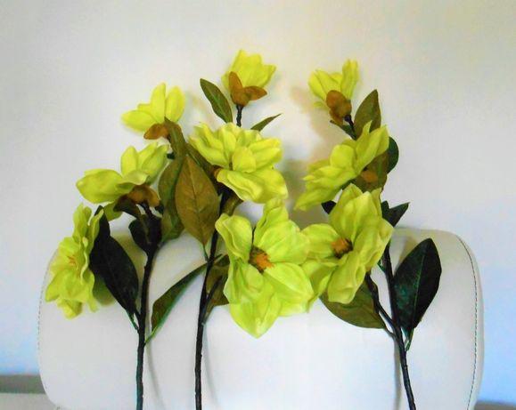 Śliczne długie gałązki z dużymi kwiatami do wazonu cena za 3 szt.