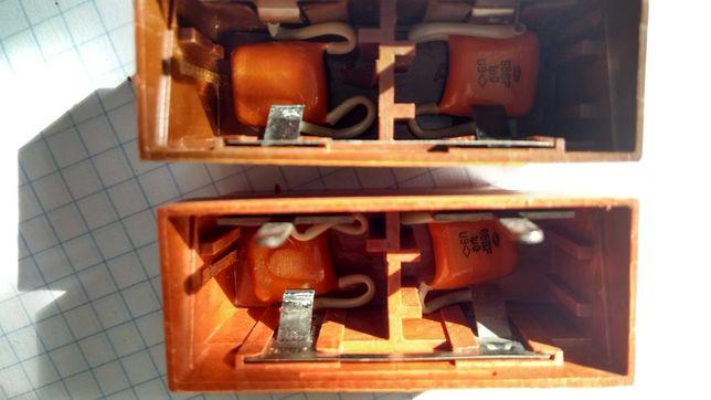 Конденсаторы км 1 мкФ квадратные аккумуляторы прицел ссср радиодетали