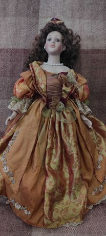 Винтажная фарфоровая куколка