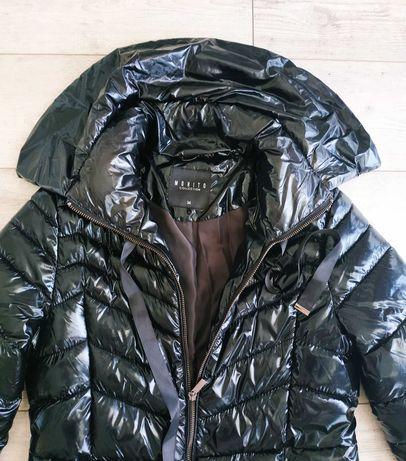 Płaszcz długi kurtka czarny błyszczący z kołnierzem Mohito 34