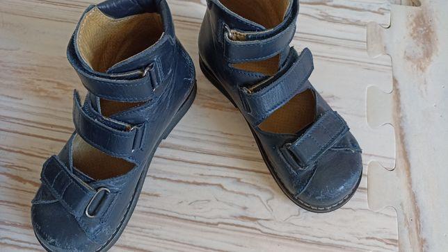 Туфли, закрытые ортопедические босоножки, на ногу 17+см, стелька 18 см