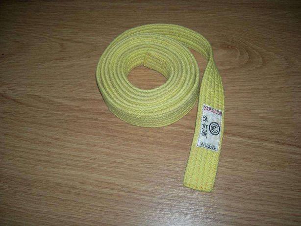 Cinturão amarelo para desportos de combate