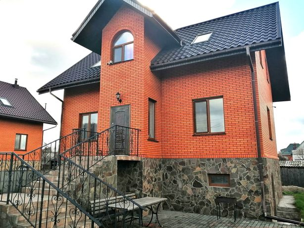 В продаже дом с капитальным ремонтом общ. 155м2 с. Новые Петровцы