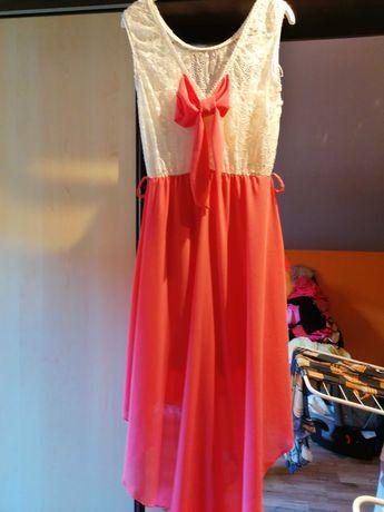 Sukienka z przedłużanym tyłem
