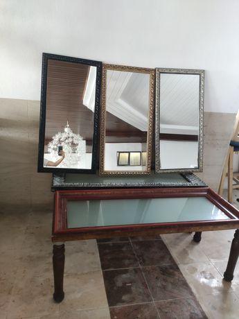 Espelhos e mesas vintage