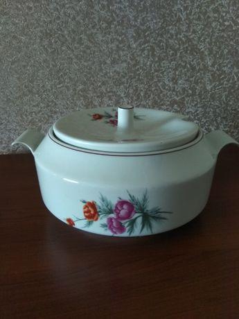 Новая керамическая супница с крышкой Болгария