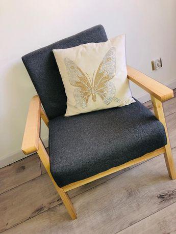 Nowiutenki fotel. Pikowany. Grafitowy