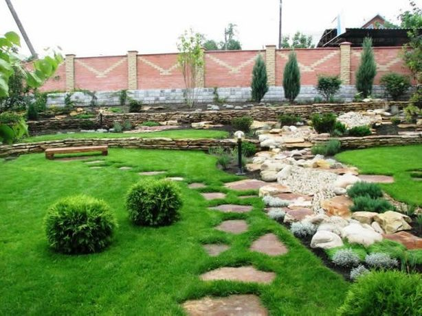 Озеленение. Садовник. Ландшафтный дизайн. Сад