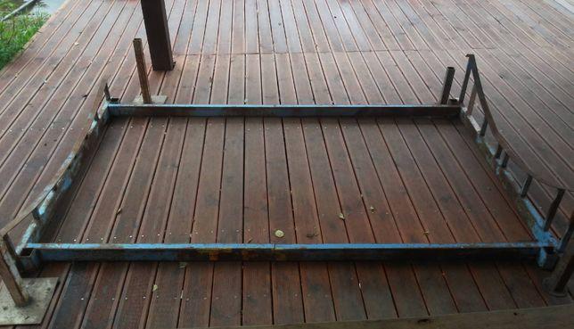 Metalowa podstawa do zimowania jachtu Tes 678 i podobnych.