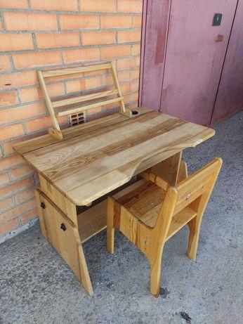 Детская парта, письменный стол регулируемый со стулом Дерево.